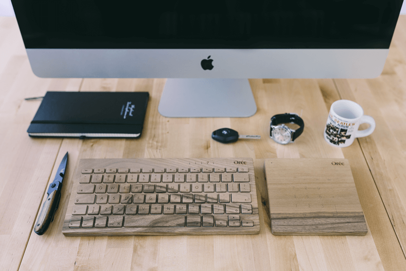 kaboompics.com_Wooden-desk-with-Apple-iMac,-Orée-Keyboard-and-Touchslab-on-it