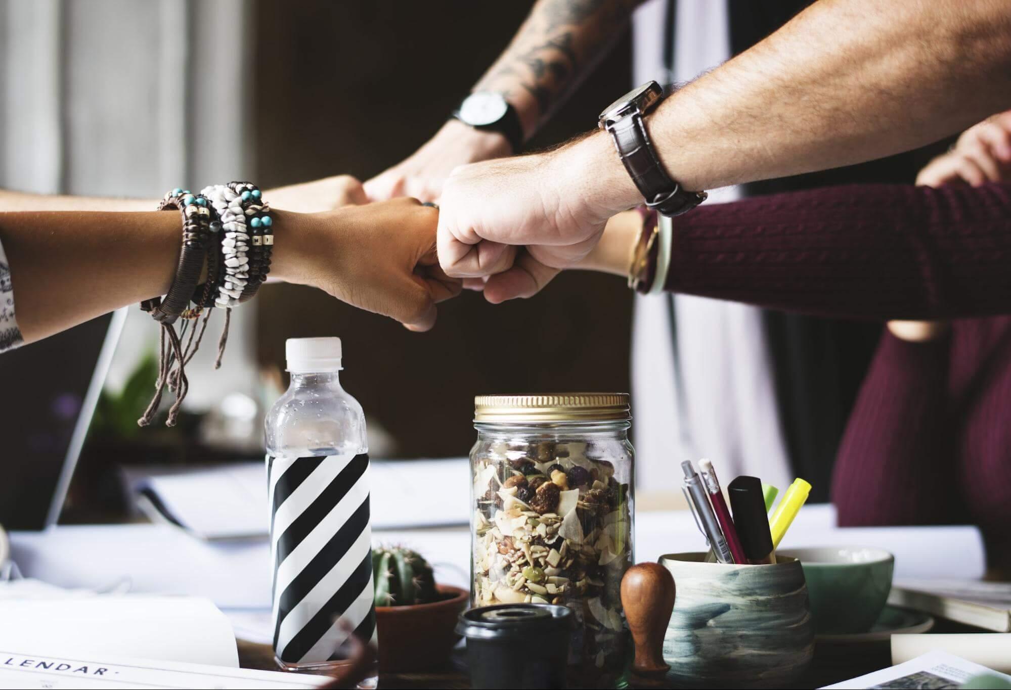 объединяться и предлагать комплексные решения